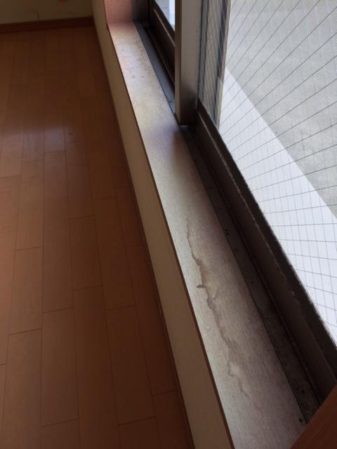 窓台劣化1.JPG